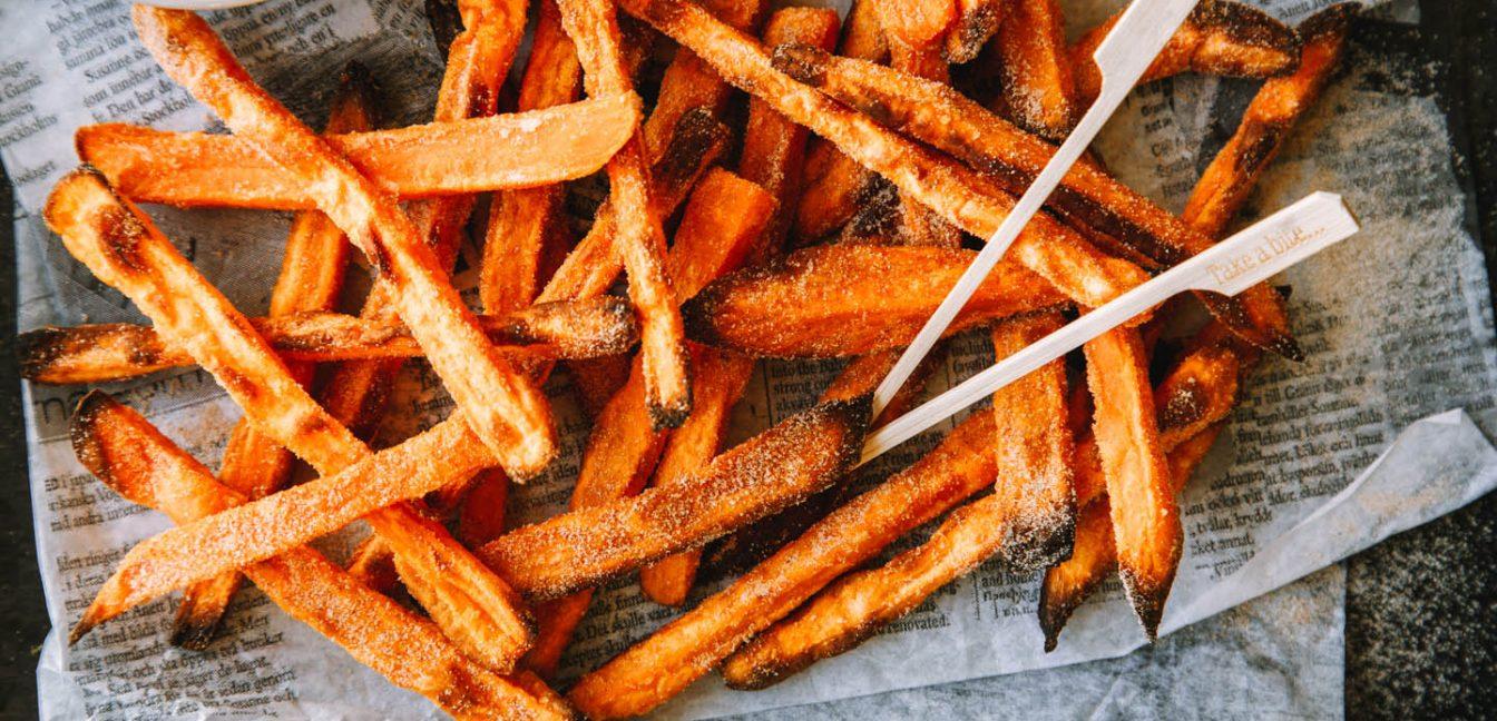 Süße Süßkartoffelpommes