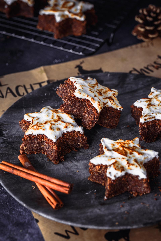 Zimtstern Brownies mit Haselnüssen