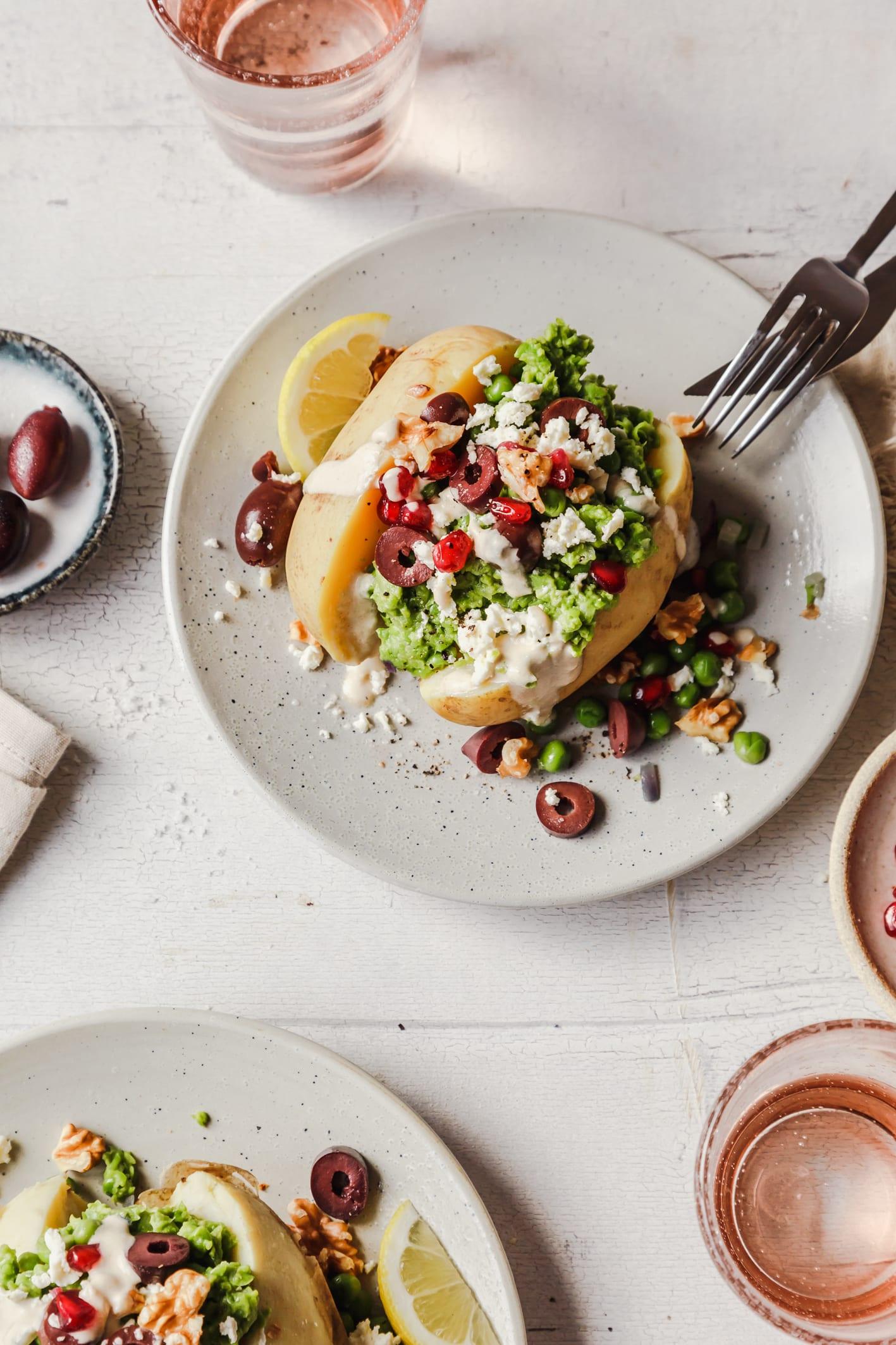Gefüllte Ofenkartoffel mit Gemüse
