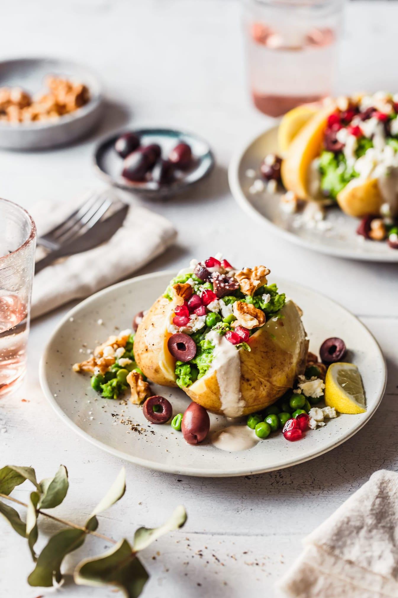 Ofenkartoffeln mit Erbsen-Püree